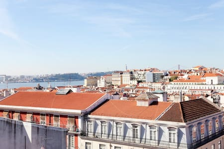 Charming Apartment Mouraria Castelo - 리스본(Lisbon)