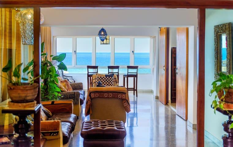 """Havana Oceanfront Condo """"Great for Families"""""""