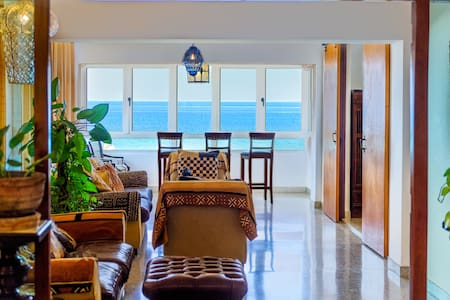 "Havana Oceanfront Condo ""Great for Families"""