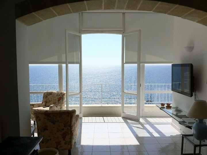 Villa prestigiosa di fronte al mare