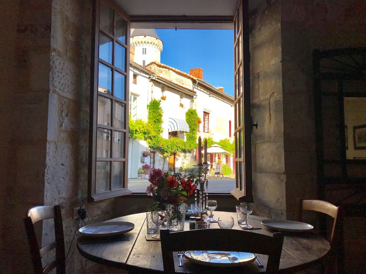 Dine in the shadows of the Château, with your own amazing view!
