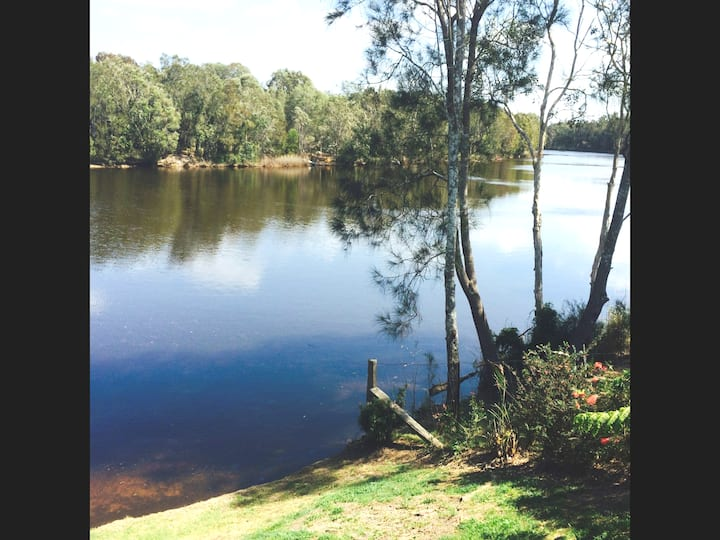 Lakeside,luxury,fesival site 5 mins ,walk t beach
