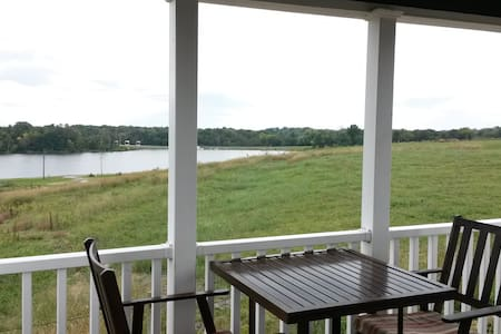 Luxury Lakeview Cottage #12 - Staunton - Stuga