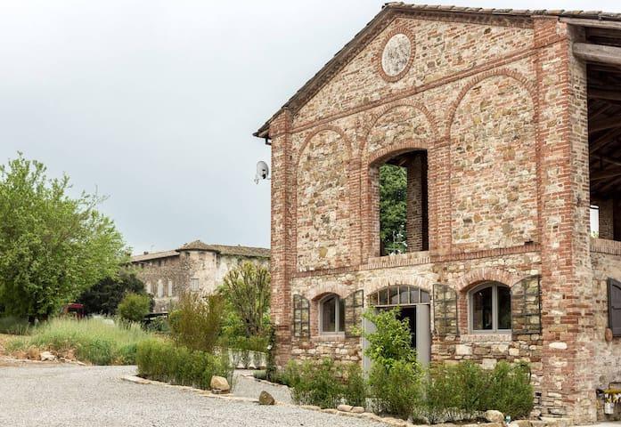 Moderno loft in borgo medioevale - Gazzola - Departamento