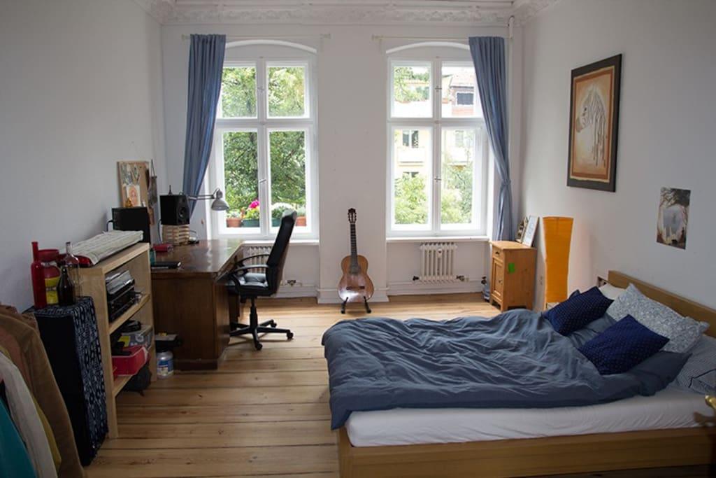 big furnished room in kreuzberg apartments for rent in berlin berlin germany. Black Bedroom Furniture Sets. Home Design Ideas