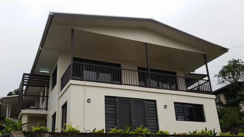2 bedroom ground floor apartment with sea view - Suva