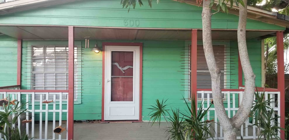 CLOSE TO THE BEACH BUNGALOW!