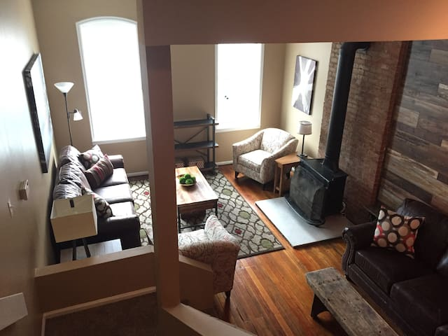 The Rustic Roost Awesome Soulard 2 bedroom