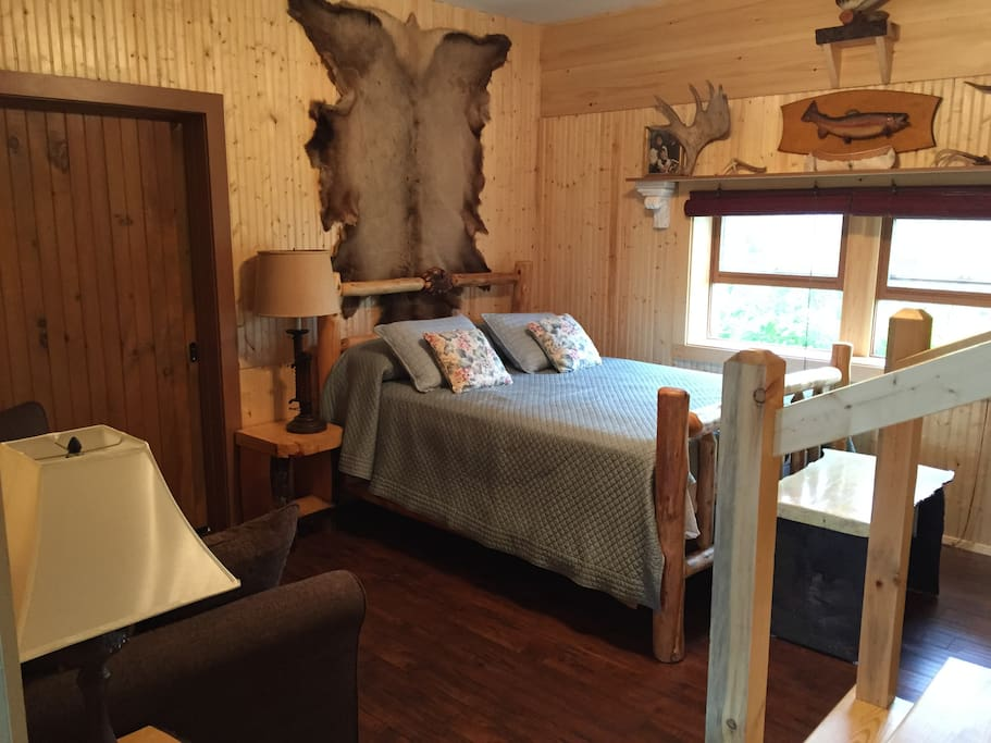 Large Cabin-Style Suite