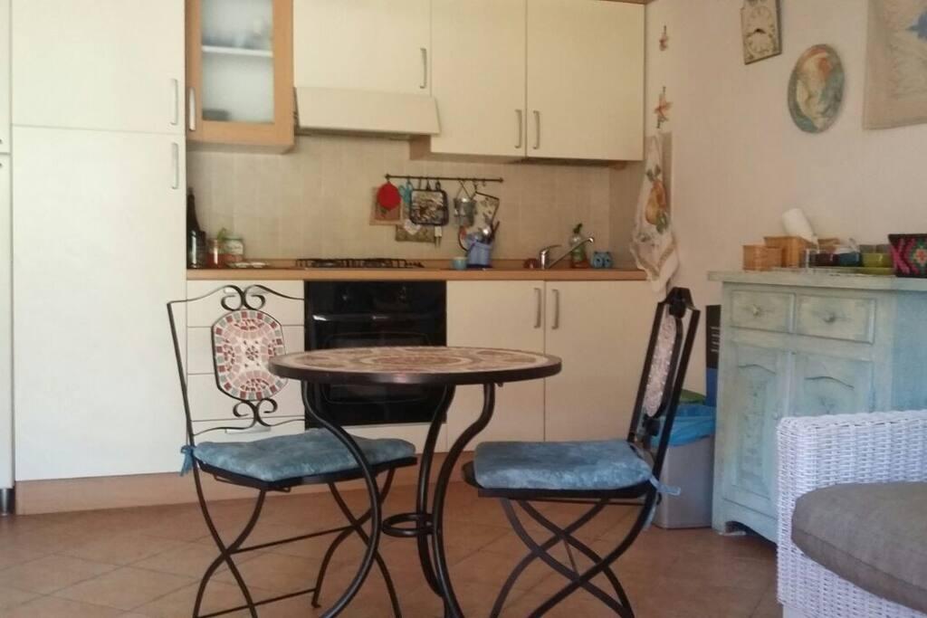salone con angolo cucina
