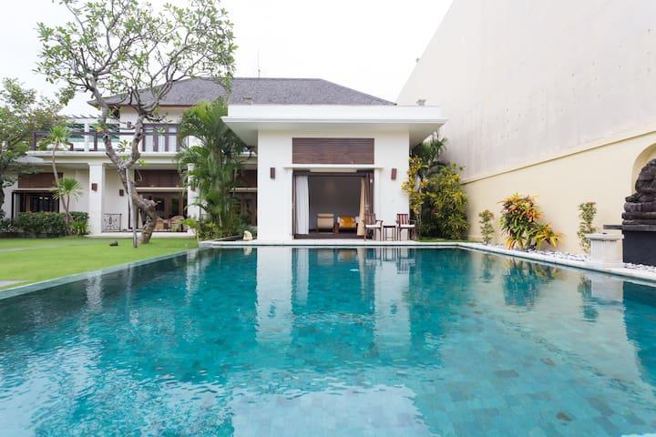 'Bali Villa Lotus' Private luxury villa, Seminyak - Seminyak   - Vila