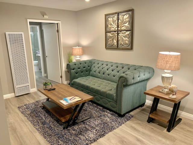 BRAND NEW 1BRM APARTMENT IN ICONIC HOLLYWOOD