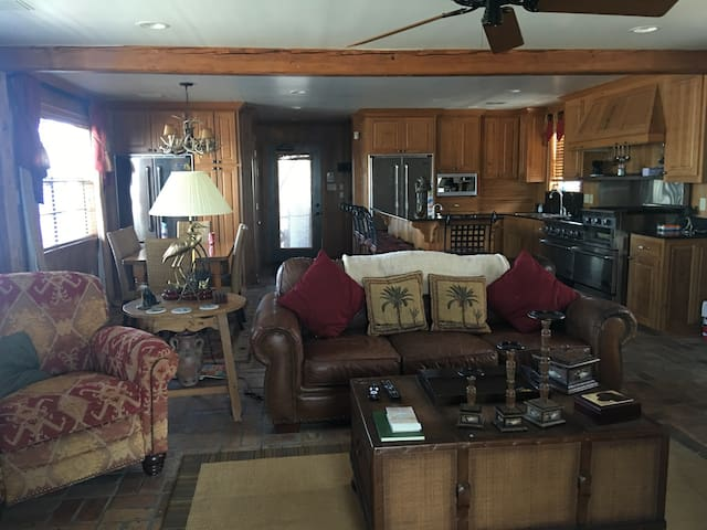 Lafitte Bayou Property (Houseboat) - Lafitte - Huis