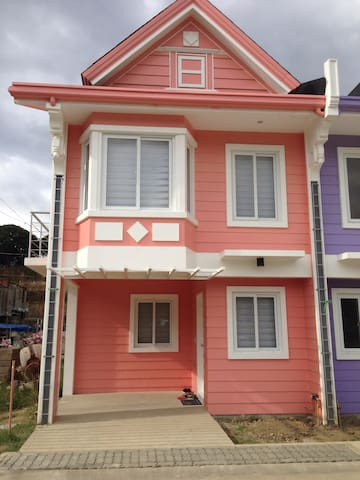 Pontefino Prime Residences, Batangas City - Batangas - Townhouse