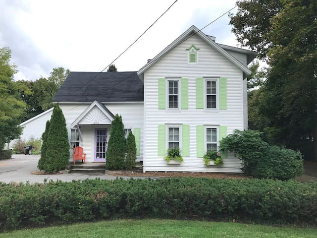 Main Street Historic town cottage, reviews on VRBO