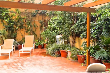 DUPLEX WITH TERRACE IN RAVAL
