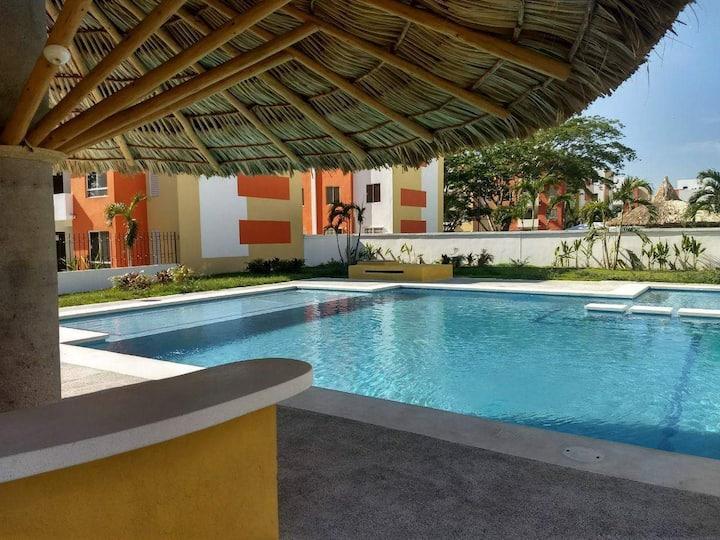 Depto en Acapulco con alberca en Real del Palmar