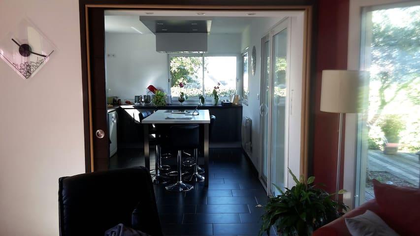 Chambre et salle de bain privée - Hennebont - Dom