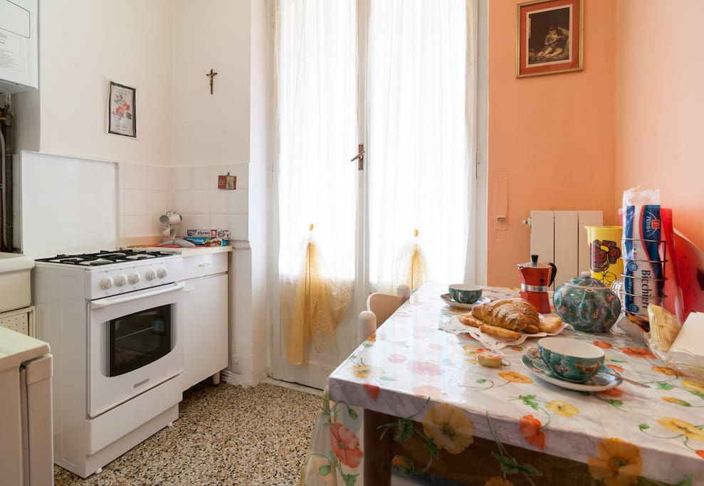 Daisy 39 s room shared bathroom bed breakfast in affitto for Aggiunta stanza indipendente