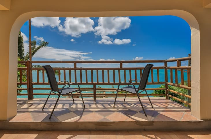 LAGOON VIEW, PENTHOUSE T3, WATER FRONT ( 5m ) !!!
