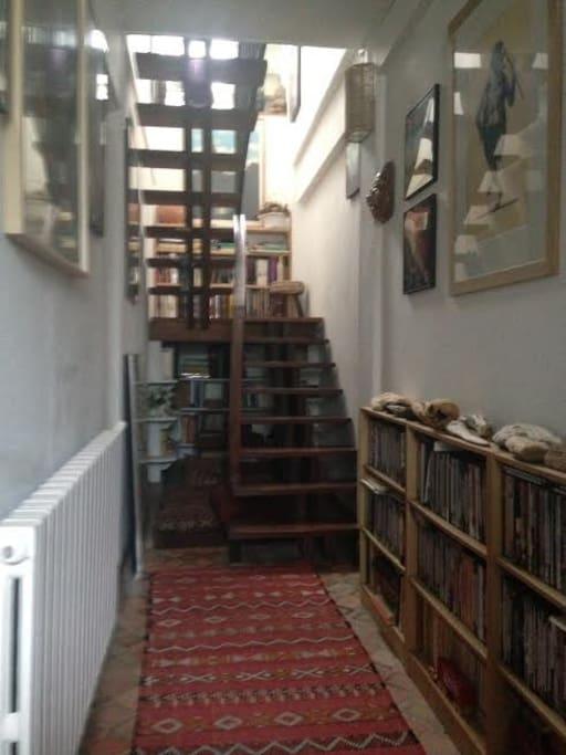 Couloir d'accès à l'étage