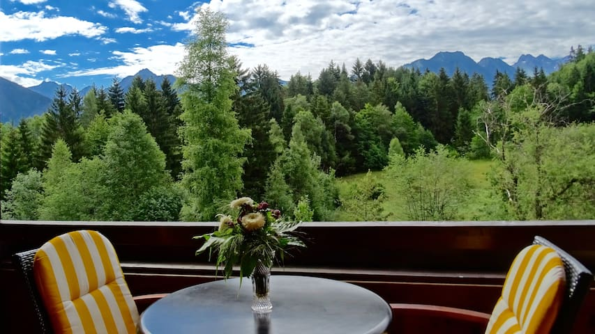 Flat with Great View, Balcony, Garden - Oberstdorf - Departamento