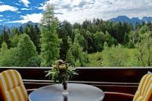 Schöne FeWo mit Ausblick, überdach. Balkon, Garten