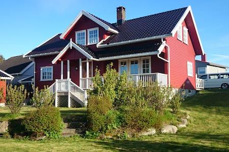 2. Etg på bolig i Helgeroa, Larvik - Larvik - Rumah