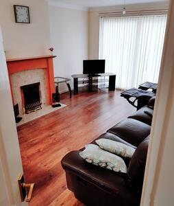Single Bedroom in Big House