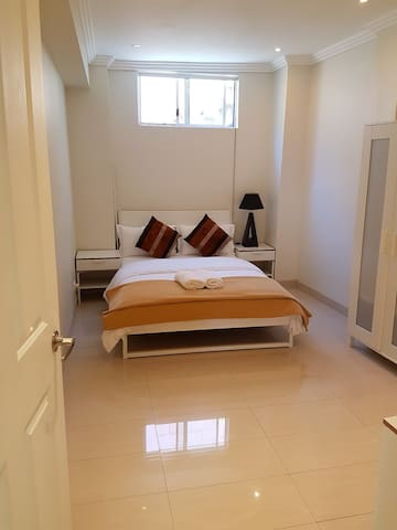 Modern private room in a 2 bedroom granny flat **