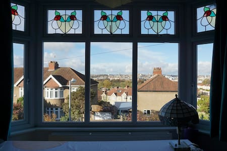 Room with a view in a great location - Bristol