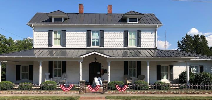 1837 Historic Bed & Breakfast Inn