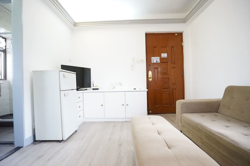 Bright & Cozy apartment in heart of Mongkok Above 20th floor!