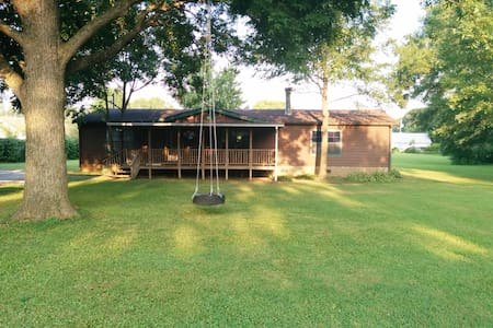 Secluded Getaway - Great for Business or Vacation!