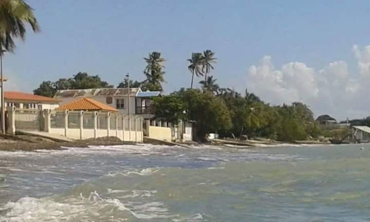 Cozy Waterfront Beach Apartment