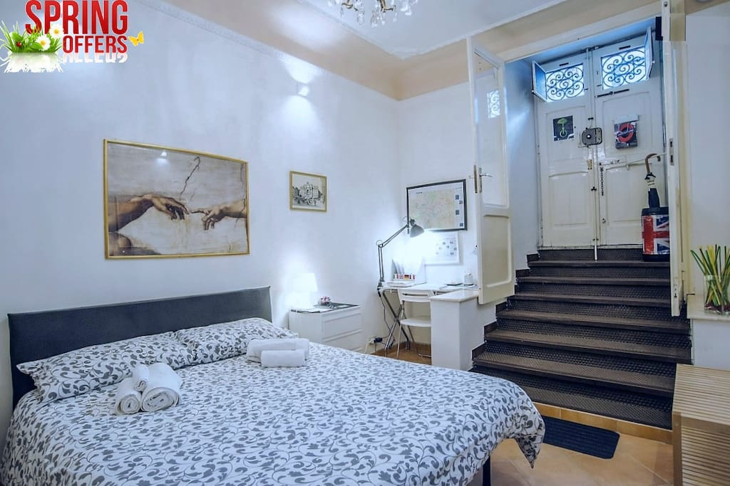 Lovely and clean flat in a quite nice area.it is connected by public transportation to the old town and many other places. There are so many bars and restaurants around so you won't feel bored or hungry there. Jiana