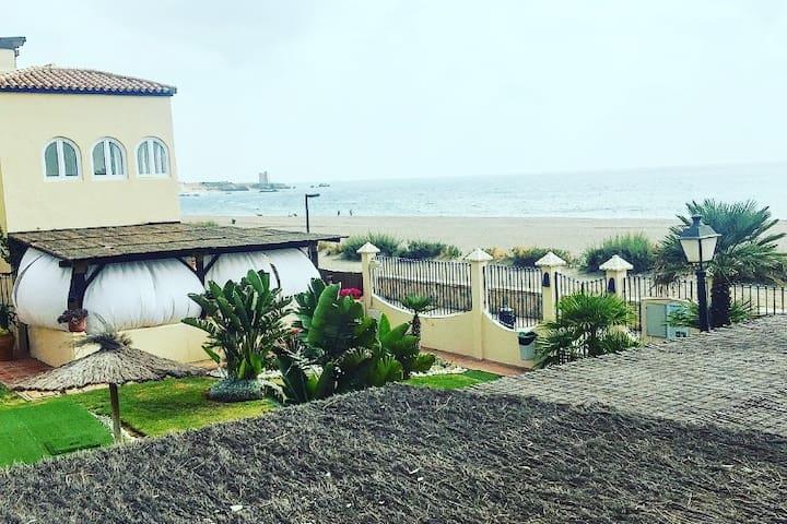 Beachfront - House in Marina de Casares