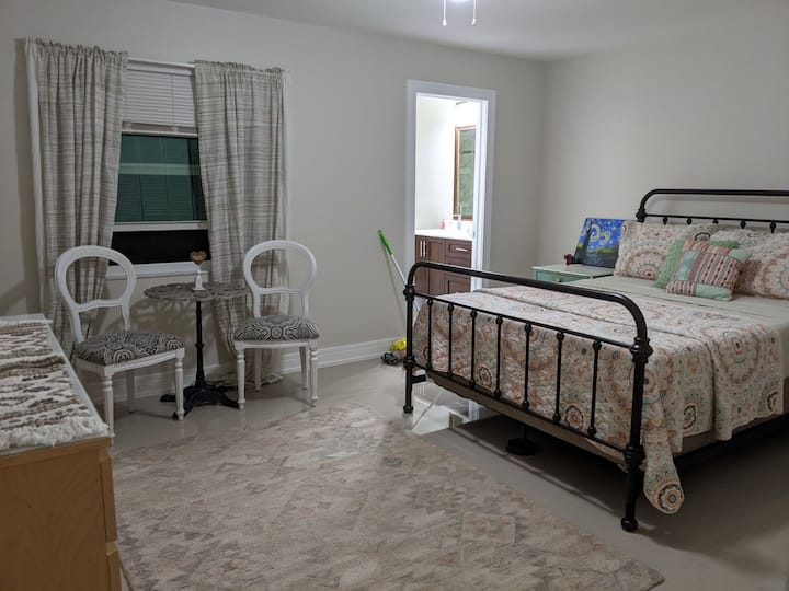 Charming master bedroom near shopping and dining