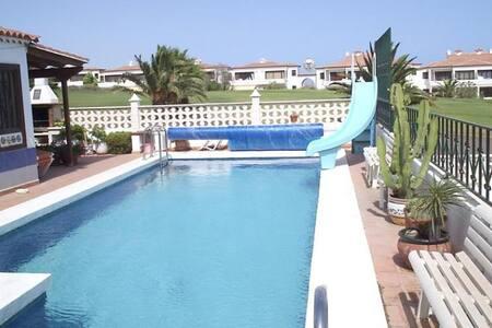 Private 3 bed villa with sea views - Amarilla Golf