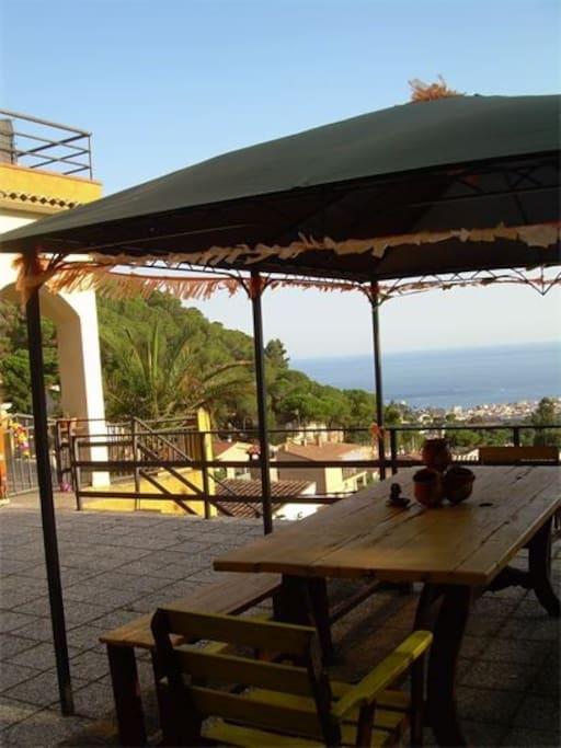 Villa con vistas al mar y piscina ville in affitto a for Hoteles en lloret de mar con piscina climatizada