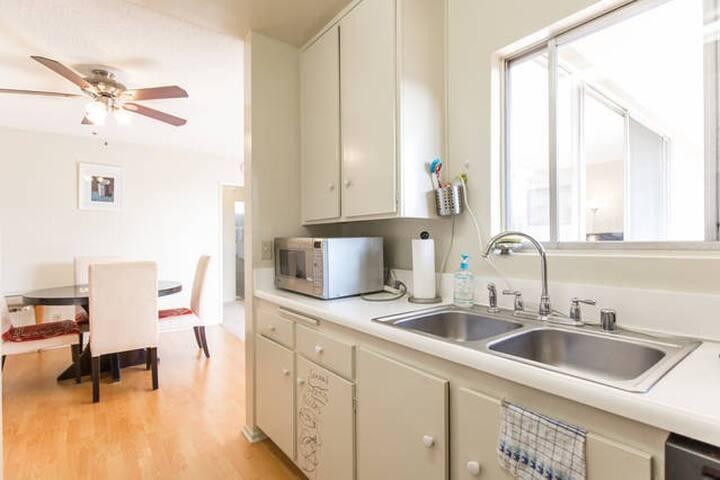 Cozy room in Torrance - Torrance - Flat