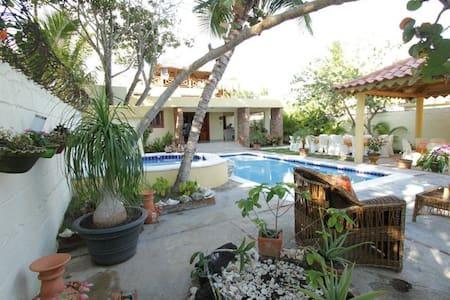 Villa preciosa en Juan Dolio, RD - Juan Dolio