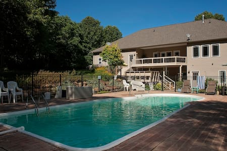 4800 Sq Feet on 3 Acres Heated Pool - Alto - Hus