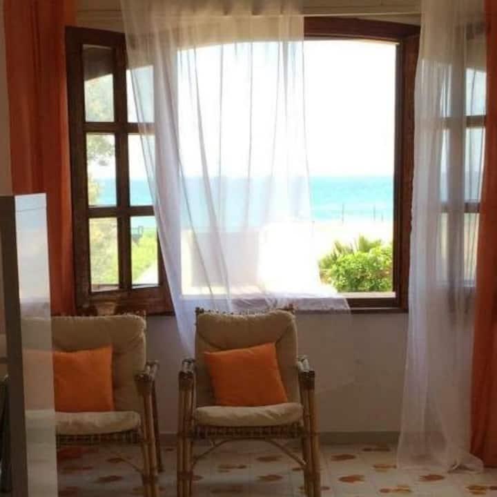 Appartamento arancione in Villa Sabbie d'oro