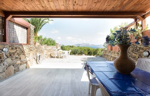 Stunning Sea View with garden and Barbecue