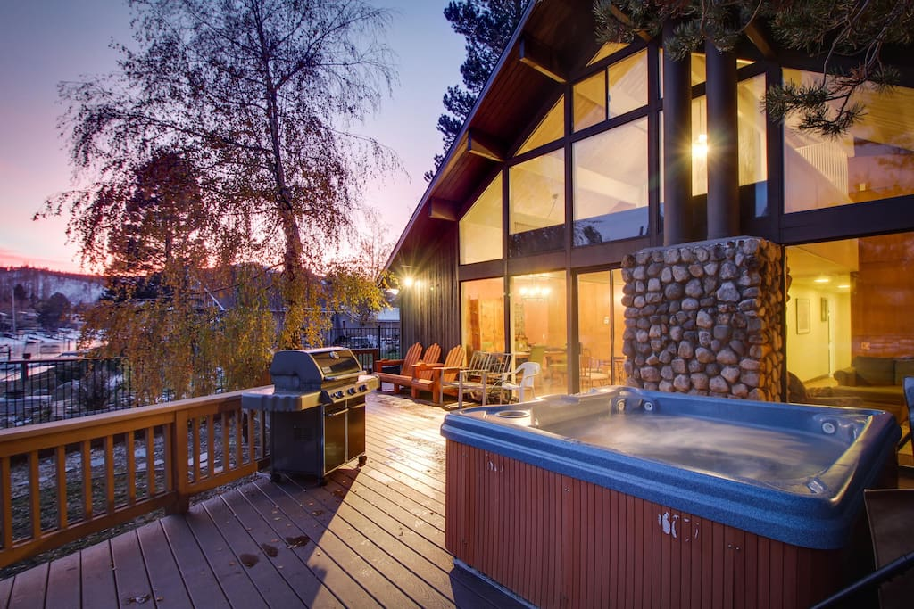Lakefront retreat with private hot tub shared pool for Cheap tahoe cabin rentals