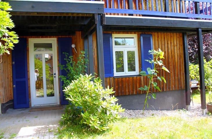 Sonnige Ferienwohnung mit Terrasse - Bad Wildbad