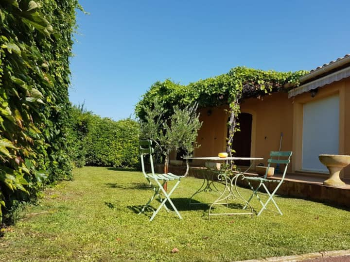 Maison provençale piscine privée climatisée