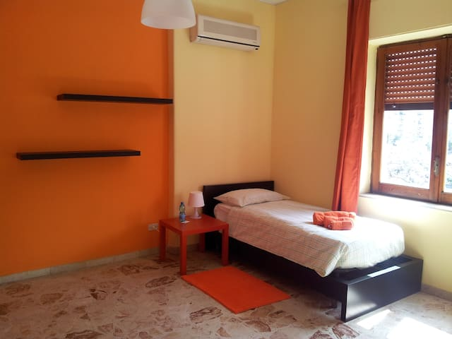 MarcoPolo_rooms_double - Catania - Wohnung