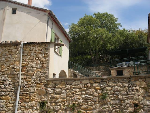 Maison gîte 6 personnes à Arlinde - Allègre-les-Fumades - Rumah